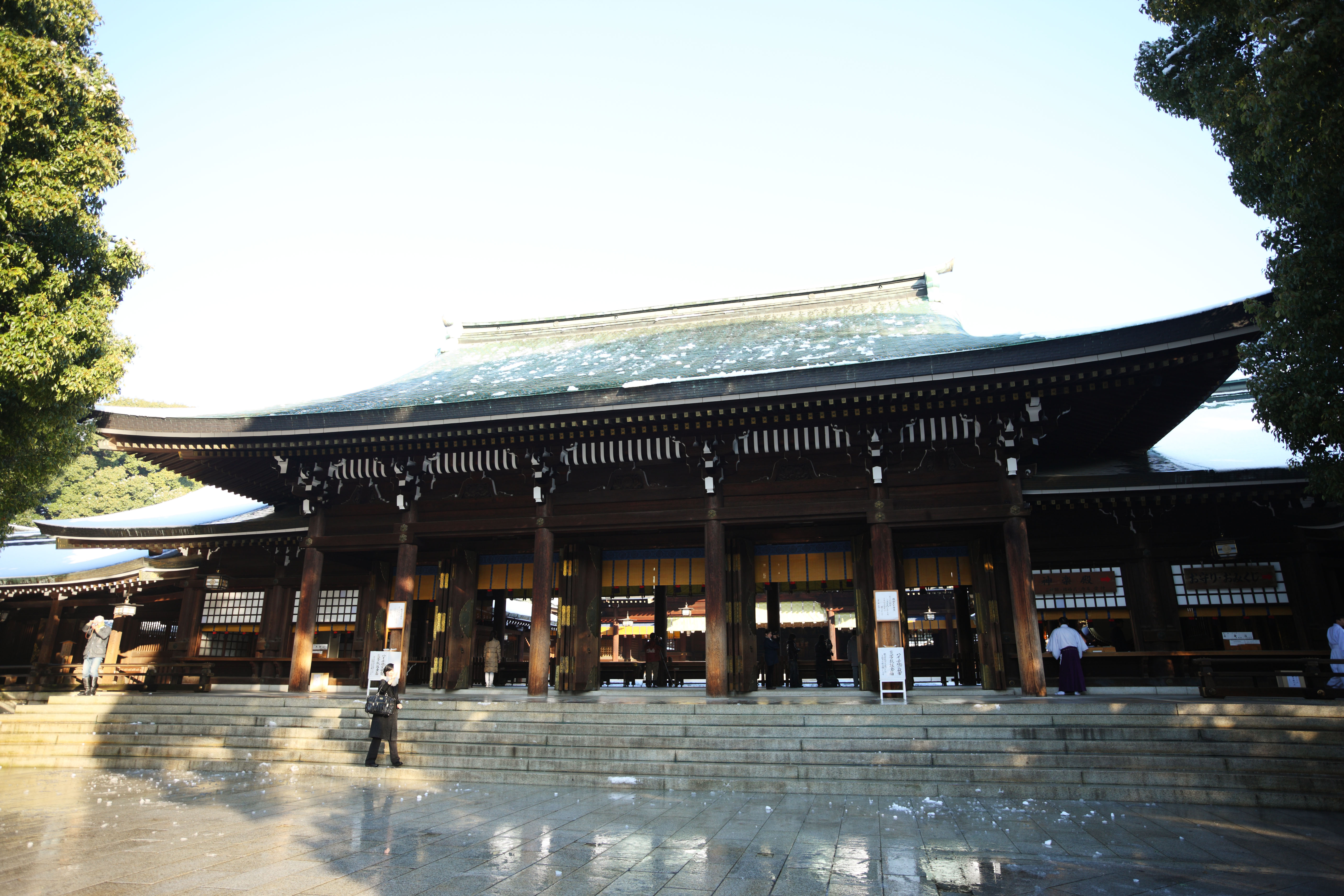 Yun Free Stock Photos : No. 9523 Meiji Shrine front shrine ...