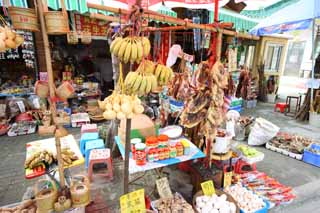 photo,material,free,landscape,picture,stock photo,Creative Commons,A souvenir shop, The dried fish of the mouse, banana, An egg, duck