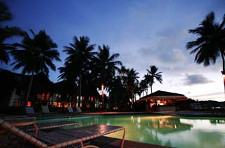 photo,material,free,landscape,picture,stock photo,Creative Commons,A resort of dusk, swimming pool, resort, coconut tree, It is lighted up