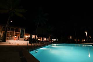 photo,material,free,landscape,picture,stock photo,Creative Commons,The night of a resort, swimming pool, resort, restaurant, It is lighted up