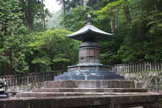 photo,material,free,landscape,picture,stock photo,Creative Commons,Deepest-placed shrine tower for Taho-nyorai of Tosho-gu Shrine, grave, tower for Taho-nyorai, Edo, world heritage