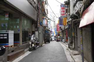 photo,material,free,landscape,picture,stock photo,Creative Commons,A way of Seoul, An electric wire, motorcycle, tricycle, An alley