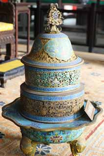 photo,material,free,landscape,picture,stock photo,Creative Commons,The incense lamp of the old palace, An arabesque design, thunder crest, Bronze, Decoration