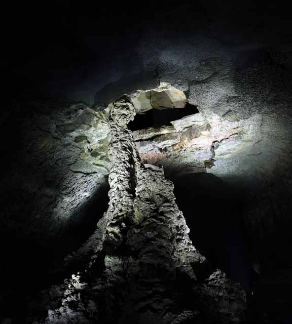 photo,material,free,landscape,picture,stock photo,Creative Commons,The stone pillar of the overabundance of vigor cave, Manjang gul Cave, Geomunoreum Lava Tube System, volcanic island, basement