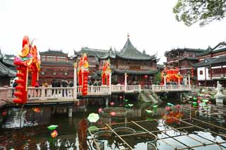 photo,material,free,landscape,picture,stock photo,Creative Commons,Yuyuan Garden heart of a lake bower, Joss house garden, , pond, Chinese building