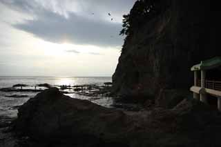 photo,material,free,landscape,picture,stock photo,Creative Commons,Enoshima Iwaya, rocky place, beach, cliff, cave
