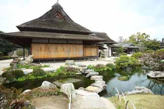 photo,material,free,landscape,picture,stock photo,Creative Commons,Koraku-en Garden Enyoutei, pond, Japanese-style building, straw-thatched roof, Japanese garden
