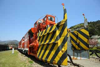 photo,material,free,landscape,picture,stock photo,Creative Commons,Diesel DD53 for railroad snow removing, railroad, An orange, Maintenance of tracks, The snow removing